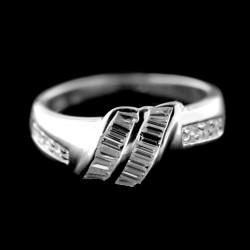 Stříbrný prsten R718