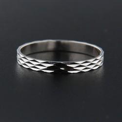 Stříbrný prsten R044