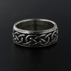 Stříbrný prsten R002