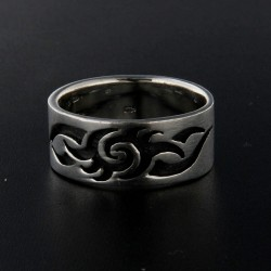 Stříbrný prsten R001