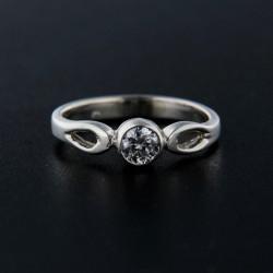 Stříbrný prsten R066