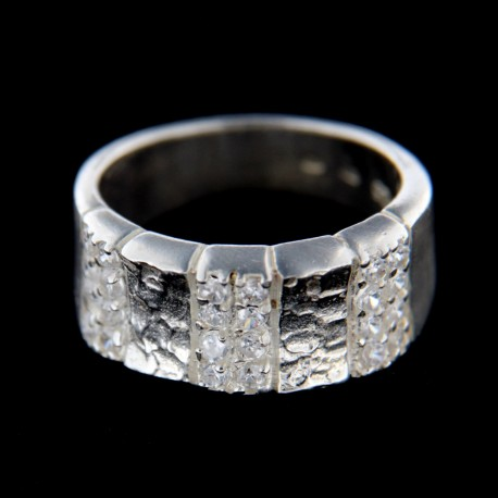 Stříbrný prsten R396