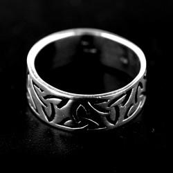 Stříbrný prsten R615