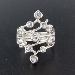 Stříbrný prsten R341