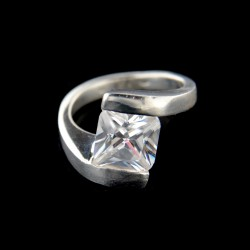 Stříbrný prsten R598