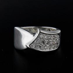 Stříbrný prsten R110